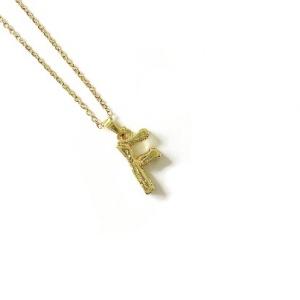 collar letra f