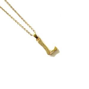 collar letra L